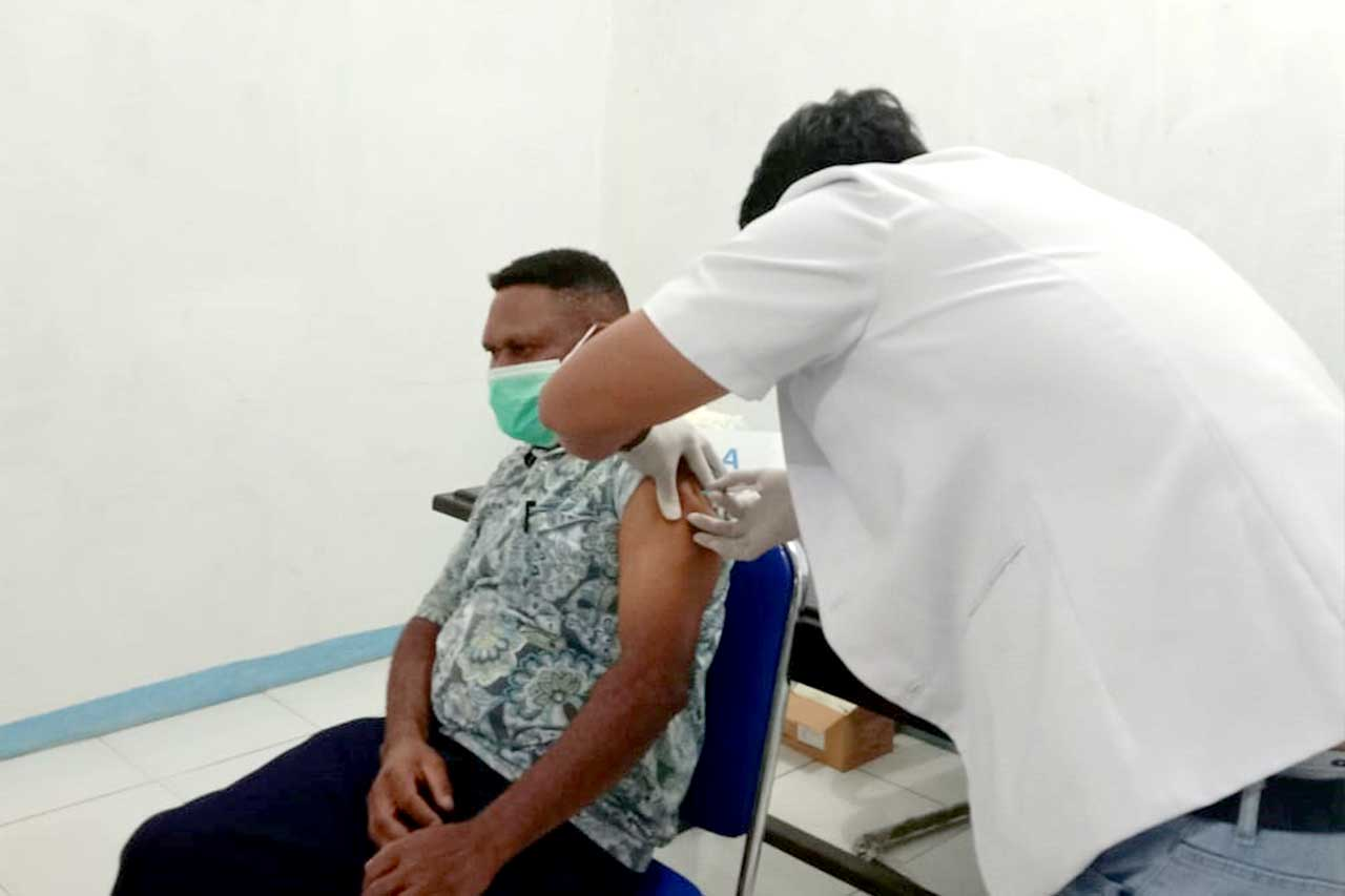 Bupati Pegaf: Vaksin Covid-19 Aman